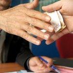 """#اليوم_السابع   إحالة رئيس هيئة موانئ بورسعيد و6 آخرين لـ""""الجنايات"""" لاتهامهم بتلقى رشوة http://t.co/xiaT4G5ffE http://t.co/ZZQCTUuFEn"""