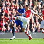 PHOTO Gabriel Paulista and Romelu Lukaku compete for the ball. Its Arsenal 0-0 Everton (19 mins) #ARSEVE http://t.co/hUJu7L5Ntv
