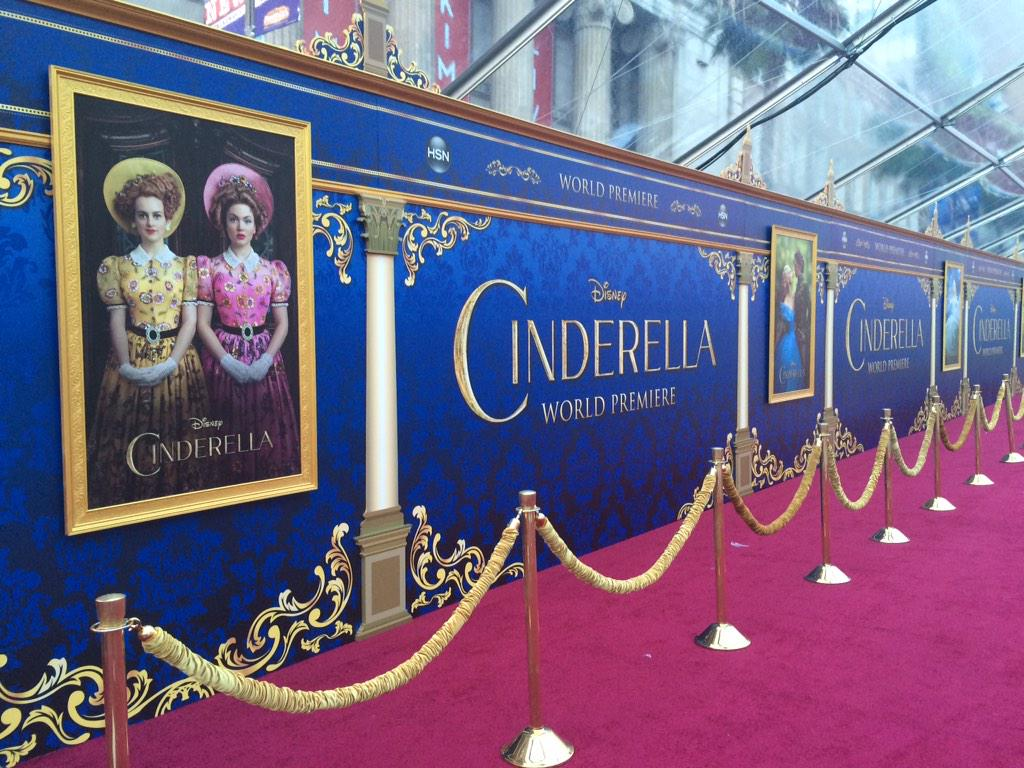 World Premiere of @DisneyPictures #Cinderella today at #ElCapitanTheatre presented by @HSN & @jcpenney http://t.co/UzhNTSAQ78