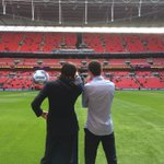.@filipeluis and @oscar8 inspect the pitch shortly after arrival... #CFCWembley http://t.co/jQ5a34cKdY