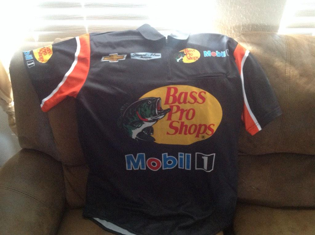 If @StewartHaasRcng @TonyStewart gets a TOP 3 I'll giveaway this crew shirt! PLEASE RT #NASCAR http://t.co/5cHvxxX6Hn