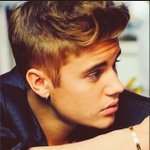 Feliz cumpleaños!!! @justinbieber eres muy grande y cada año creces mas un abrazo muy fuerte! #thebestisyettocome 🎂21 http://t.co/X07tCMtfhv