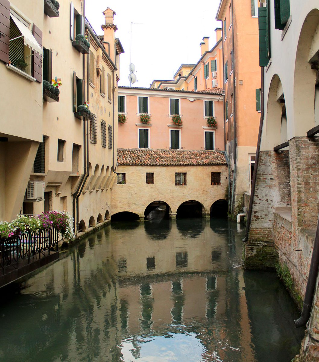 New blog post on what to do in Treviso (apart from looking for an undiscovered Venice) - http://t.co/k3vLFHdvoL http://t.co/UM5IMgbVJX