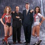 Dick Advocaat (PSV) & Louis van Gaal (Ajax) and some nice girls too.. Foto Leo Vogelenzang #psv #ajax #psvaja http://t.co/O66HpEBeu4