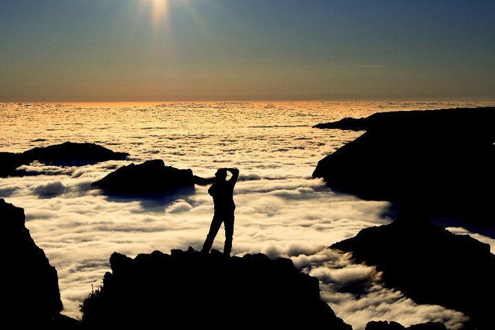 """Photo: Vitor Reinecke #sharingmadeira """"Pico Arieiro"""" http://t.co/MkbuE5zWKC"""