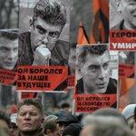 【New】ロシアで暗殺されたネムツォフ氏の追悼デモ、数万人に膨れ上がる「私は、恐れない」 http://t.co/J7QOyAzO47 http://t.co/IKXVf7Fu95