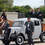 #Uruguay : El presidente Tabaré Vázquez desfiló en una camioneta Fordson de 1951 » http://t.co/Fvd5C7axkP http://t.co/RTHGh0MJ5a
