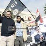 حصار المحكمة الدستورية منعا لحل الشورى والجمعية التأسيسية للدستور. الحمد لله الذي عافانا من حكمهم. #فاكرين_الاخوان http://t.co/W5FTgo3kGj