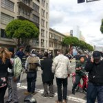 #BreakingNews LAPD reportedly shoots unarmed man in #downtownla http://t.co/eQ4WlI7pdN