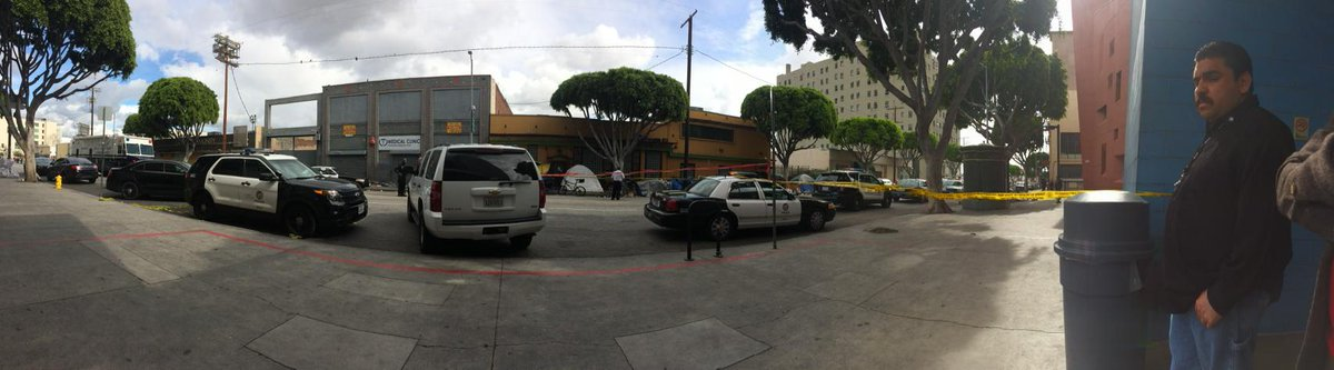 @abales: Front of Union Rescue Mission in LA today as man on street died in scuffle w/LAPD & @URM Men's graduation p…http://t.co/P4OllrTmqz