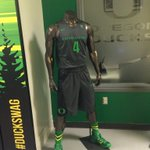 This is the very sweet uni @OregonMBB will be wearing this afternoon. #GoDucks http://t.co/qWGVlDJV30