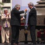 Video: Tabaré Vázquez asume la presidencia de #Uruguay http://t.co/bQNYRj5xWk http://t.co/cIHqv6Yoql