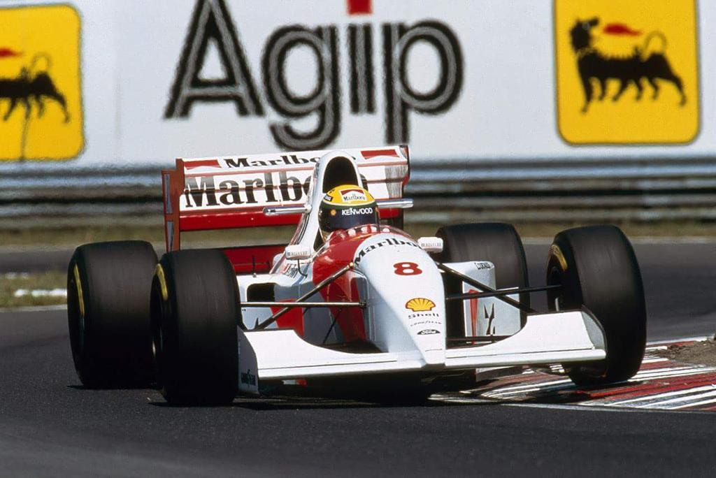 Ayrton Senna - McLaren Ford #8 1993 http://t.co/IlwXWzKmKk