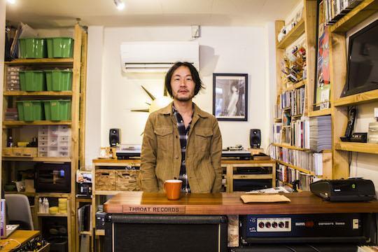 UP!! #greenzjp:街のネットワークを育む場所へ。奈良のロックバンド「LOSTAGE」五味岳久さんが手がけるレコード店「THROAT RECORDS(スロートレコード)」 - http://t.co/8iNES7fn4y http://t.co/WbDB1ReMVu