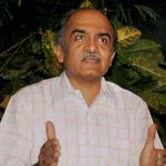 Prashant Bhushan slams one person-centric campaign by #AAP, calls for swaraj within party http://t.co/TKr79cSZi8 http://t.co/vDLhTRLp1L