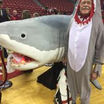 Former Nevada Lt Gov Lonnie Hammargren at the Tarkanian tribute Sunday. Shark has a Tark towel in mouth. #lvrj #vegas http://t.co/9ZWGlqCbs0