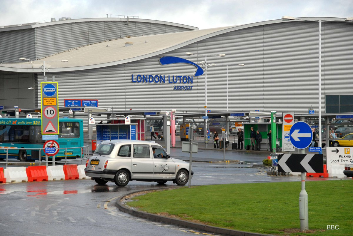 """DISGUSTING!! """"@BBC3CR: Drop-off charges at @LDNLutonAirport increase to £2.50 from today. http://t.co/pGVKnhRlk6"""""""