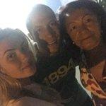 Q amor!! A @AlineGotschalg_ com seu cunhadinho Renato e a Sogrinha Jaira. Bem vinda a família Medeiros !! http://t.co/vLj5HZNlvJ