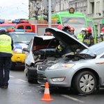 Wciąż mamy utrudnienia na skrzyżowaniu Głogowska - Berwińskiego. @AlertPoznan @RadioMerkury http://t.co/wVzv8KUsLH