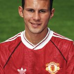 #OnThisDay in 1991: Ryan Giggs made #MUFC debut v @Everton 963 apps, 13 PL titles, 2 #UCL wins during stunning career http://t.co/9tMhGwswvn