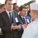 Türkiyenin büyük vicdanı Yaşar Kemali sonsuzluğa uğurladık. Allah rahmet eylesin http://t.co/drOTZAfzuB