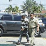 "Policía estadal dio con ""Rony Matón"" durante una ronda de patrullaje http://t.co/R8YcA08wtc  #SucesosCDC http://t.co/O2YcS7r1h3"