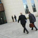 Entran los auditores de la #LFP a la audiencia de #Pamplona . #Osasuna http://t.co/53SytINfAm