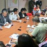 Ahora Int @EgonElier encabeza Comité Operaciones Emergencia x Alerta Naranja decretada x actividad #VolcanVillarrica http://t.co/cCDxJk2eD9