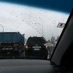 Quien los manda a andar tan juntos po, choque por alcance en el puente calle calle #ValdiviaCl 3 vehículos. http://t.co/KhIG69DTob