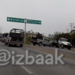#reynosafollow Abierto un carril de Rio Bravo a Reynosa, unidad asegurada. http://t.co/ZyMch74xJX