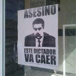 """""""@sabarita: R @CondoritoAnons nuevos afiches que deben ser pegados en toda Venezuela DIFUNDE http://t.co/0ZNCkWpgSc @sororita"""" @figuemin"""""""