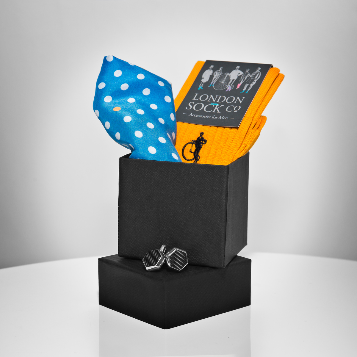 Win a @TheoryOfStyle man box inc. @LondonSockCo socks, @PinCollarShirts pocket sq & our cufflinks RT & follow to win. http://t.co/xaKuj3F2Hb