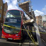 """???????????? """"@Independent: Scaffolding collapses on double decker bus in busy London high street http://t.co/dednZD7H1D http://t.co/qLGIxviFlj"""""""