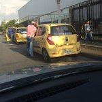 @movilidadcali Hasta cuando taxis parqueados en zona prohibida en la 14 valle del lili @elpaiscali http://t.co/LuWahd4tS6