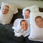 Just waking up in Vegas next to some hotties. Did I miss anything? #Tradecentre http://t.co/olVSmBwMSc