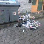 Cada salida por el sur de #Quito me indigna y sorprende. Más basura y las autoridades no hacen nada #QuitoVigila http://t.co/zB8EZLYXCK