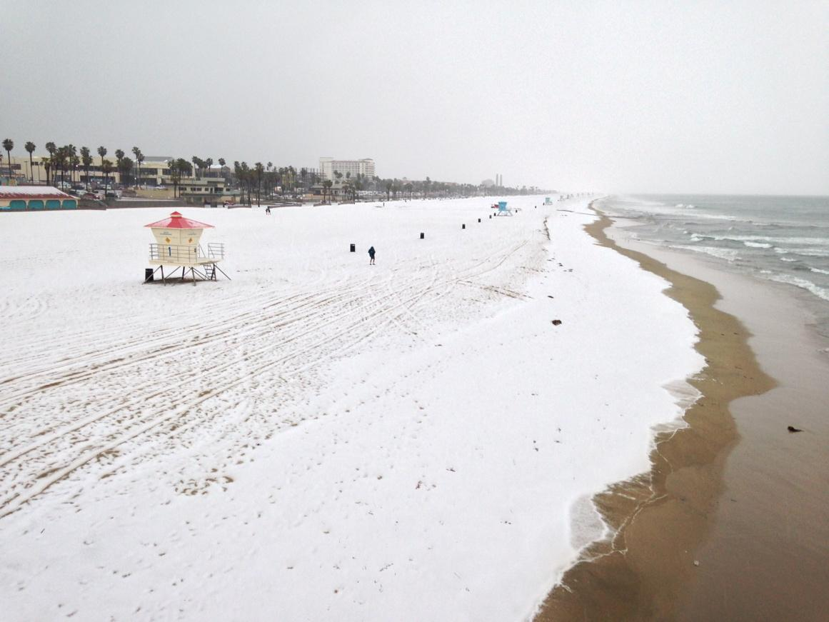 "Frozen precip. It's hail but sure looks like snow. RT""@alschaben: Snow in Huntington Beach http://t.co/czMrHQC8lm"""