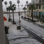 Huntington Beach hail! Ill have More details at 11 on @CBSLA! Photo cred: Charlie Ashby http://t.co/WljRbSM28B