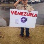 """@une7e: Homenaje Scout en Tennesse USA, a un hermano en Venezuela, Kluiverth Roa. http://t.co/RKjHm71BEg"" @boyscouts @bastiondelzulia @vjmc"