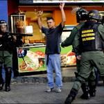 "EL INF. OTÁLVORA: La represión mina apoyo intl. a Maduro http://t.co/5O8O2huMoR Chavismo ""Sin Maduro"" revela encuesta http://t.co/md1LSzELKv"