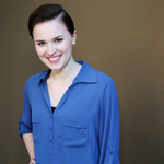 Divergent author Veronica Roth says she's 'in love' with her new two-book project http://t.co/dcbwReEppf http://t.co/7AVpaH1BWm