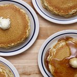 Follow IHOP for FREE pancakes #NATLPancakeDay http://t.co/wyCBypxgbh