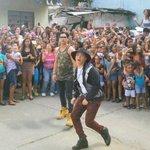 Chino y Nacho grabaron su nuevo video en Petare http://t.co/jbh7cIJO6p http://t.co/xXQSE0p9re