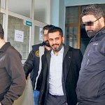 Darbeyi haber yapmak suç oldu! Gazeteci Mehmet Baransu tutuklandı [HABERİ İZLE-ZAMAN TV] http://t.co/vjC5z4KA2f http://t.co/MLe9096eC3
