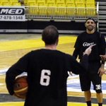 """@primerahora: #BSN: Capitanes anuncian nuevo refuerzo http://t.co/b7JSI2OaC0 http://t.co/1vCp6skpHz"" la foto @PaoAyende ????????????????"