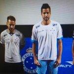"""""""@ChicoDeNoque: Cruzeiro lança sua nova  coleção de Pijama...  #MariaEuSeiQueVoceTreme http://t.co/1TAh5ld7yL"""" #VéiNaBoa isso é um pijamão"""