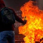 Sigue el terrorismo: En edo. #Portuguesa guarimberos incendian sede de la alcaldía de #Sucre http://t.co/tWScuXKnLx http://t.co/XFf6dOasyT