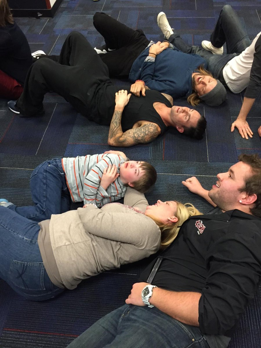 Christopher was so overwhelmed he had a panic attack so @adamlevine @maroon5 @internjohnradio laid down to take a pic http://t.co/lGP5SIeZNX