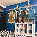 【今日】魔女とシャーマンのためのセレクトショップ「呪術と魔法の銀孔雀」大阪アメ村にオープン http://t.co/yCOtjzNDHU http://t.co/r03D8j2W6h