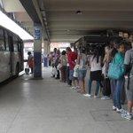 Motoristas de ônibus fazem greve e tiram 11 linhas de circulação na Zona Oeste. http://t.co/IymJhMXAsN [@OGlobo_Rio] http://t.co/zTZO07NM31